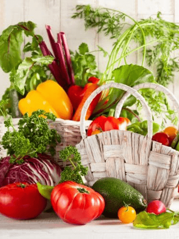 10 Solid Facts Why the Mediterranean Diet is Better For You